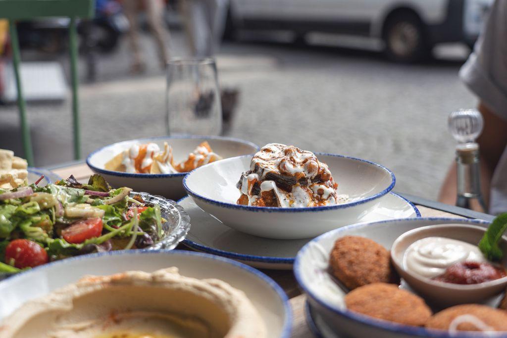 Geheimtipp Tipp Koeln Restaurant Essen gehen Wochenende Draußen sitzen