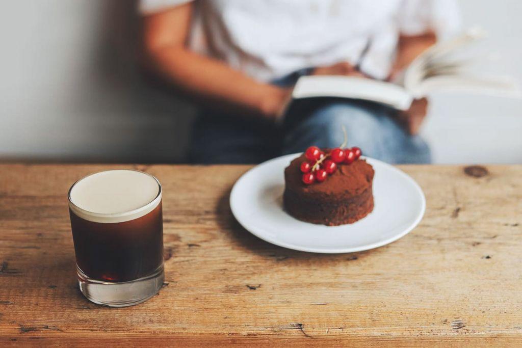 Im ERNST warten neben frischesn Kaffeespezialitäten auch Leckerein auf Euch – ©ERNST