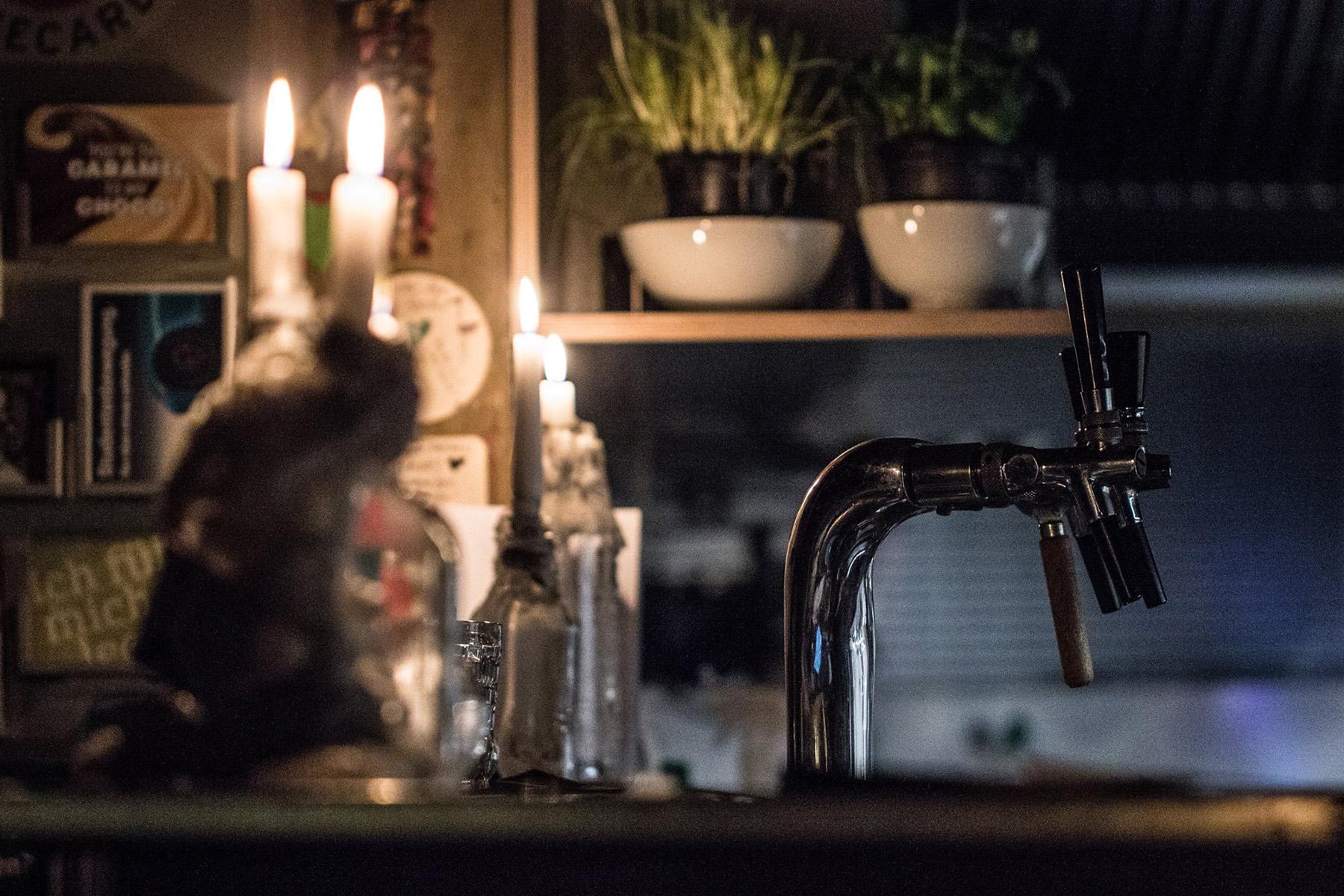 Bier, Wein, Kerzen – ©Café Storch