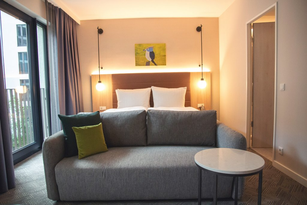Adina Hotel Koeln 3 Artikel