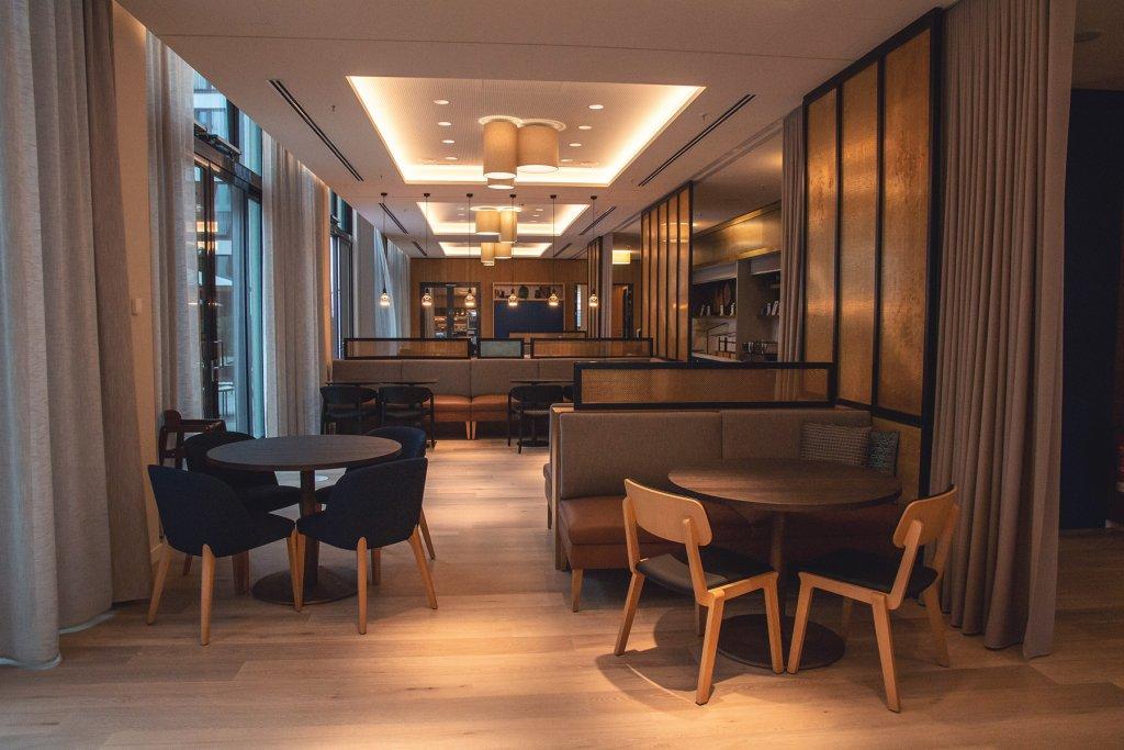 Adina Hotel Koeln 6 Artikel